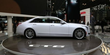 Новий Cadillac CT6 Plug-in Hybrid 2017 - фото, опис, ціна